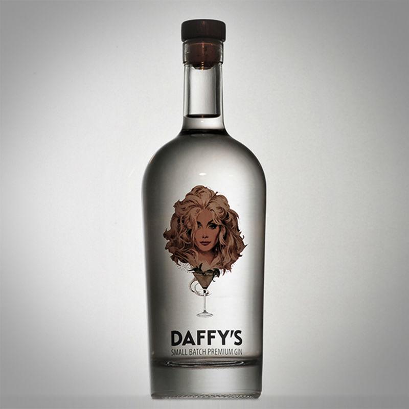 La bottiglia di Daffy's Gin, con la dea Daffy in etichetta