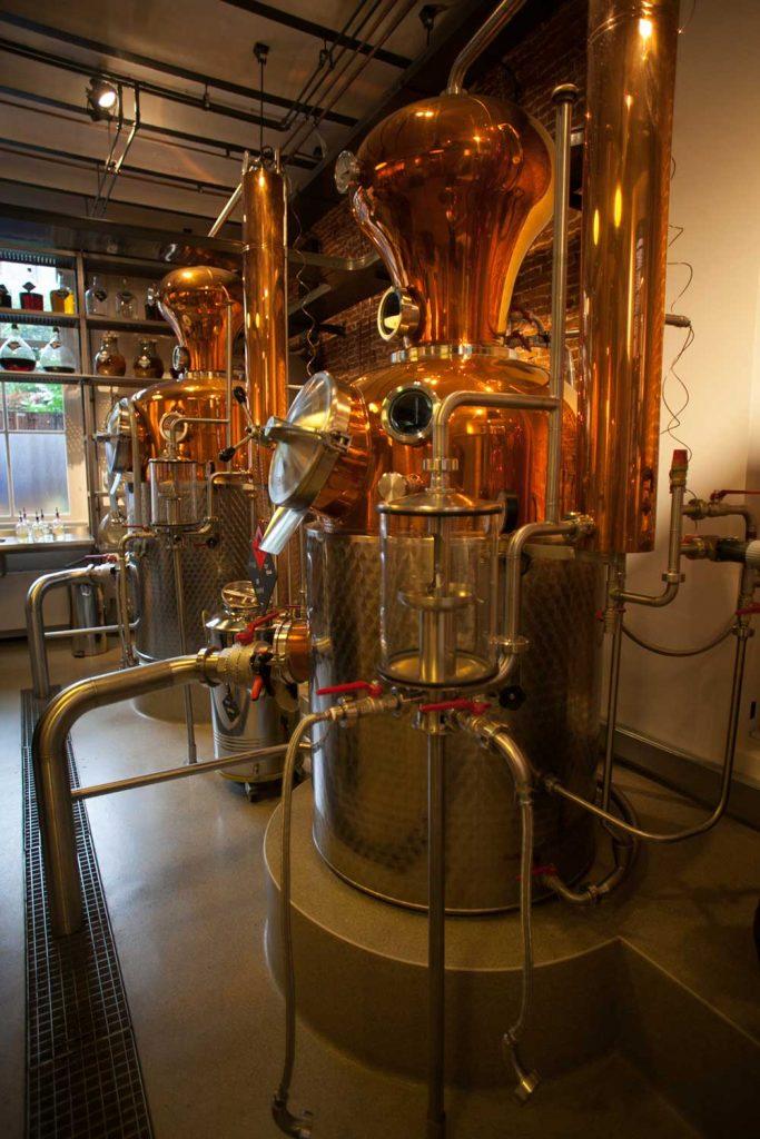 Uno degli impianti di distillazione del Jenever visitati