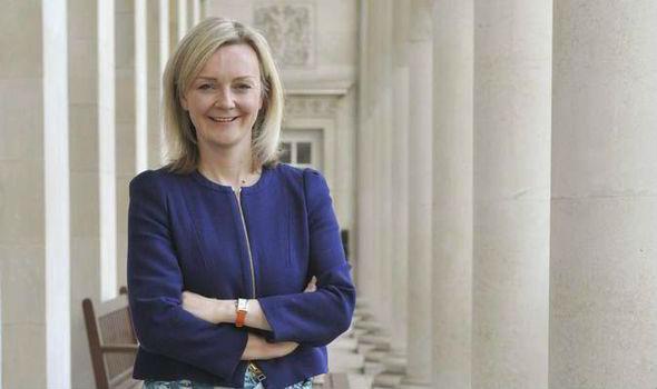 Il Ministro dell'ambiente inglese, Elizabeth Truss