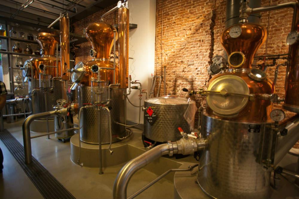 Gli alambicchi della distilleria