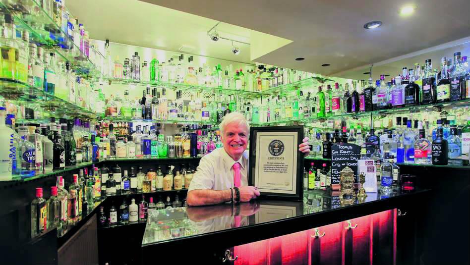 Phil Whiteman con il suo certificato del Guinness dei Primati