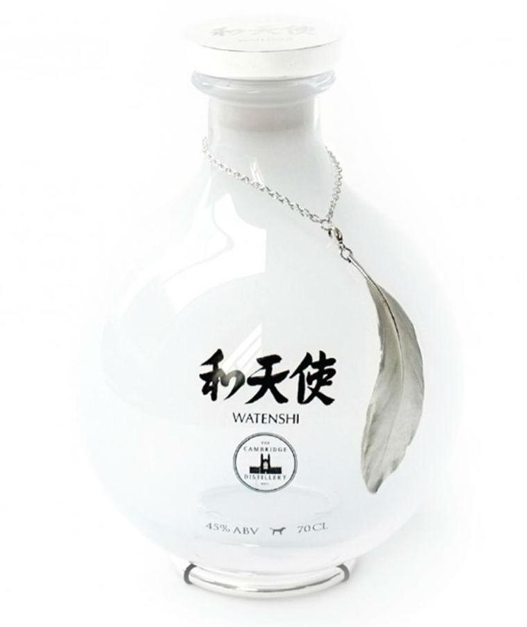 La splendida bottiglia del Watenshi Gin, il gin piu costoso del mondo