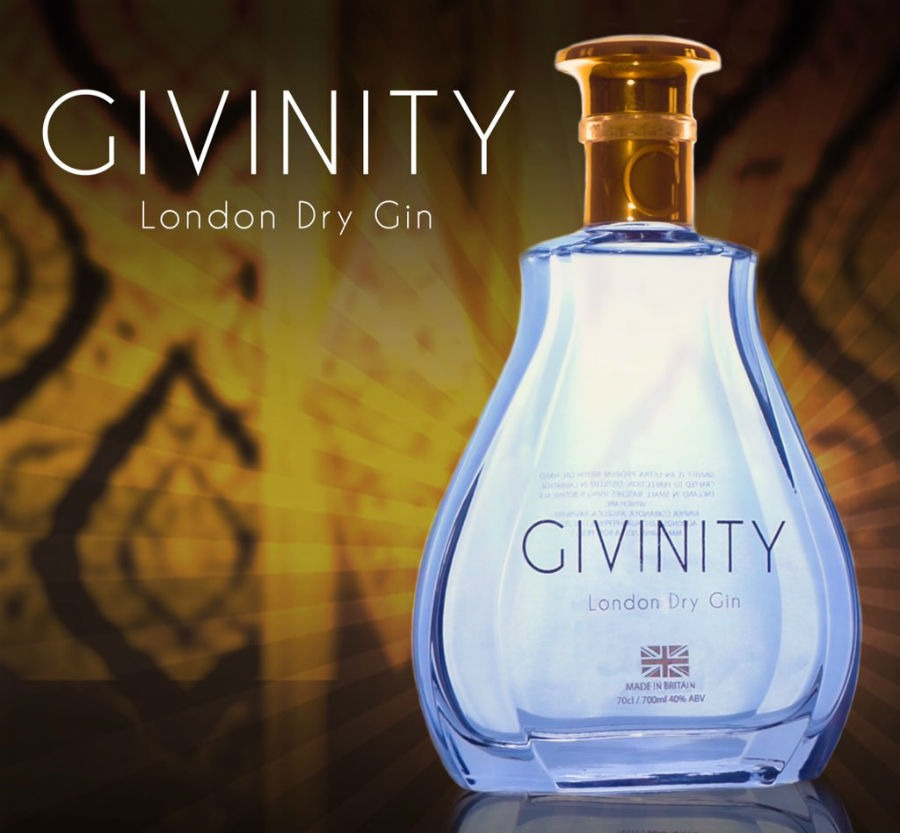 La bottiglia di Givinity Gin in un'immagine promozionale