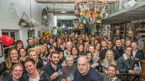 Una foto dell'evento di degustazione di gin più grande al mondo