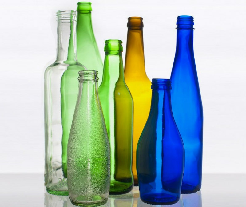 Bottiglie pronte per l'imbottigliamento