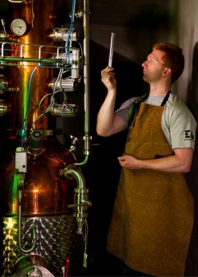 David Wilkinson, master distiller di Edinburgh Gin