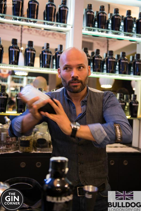 Samuele Ambrosi a The Gon Masterclass di The Gin Corner