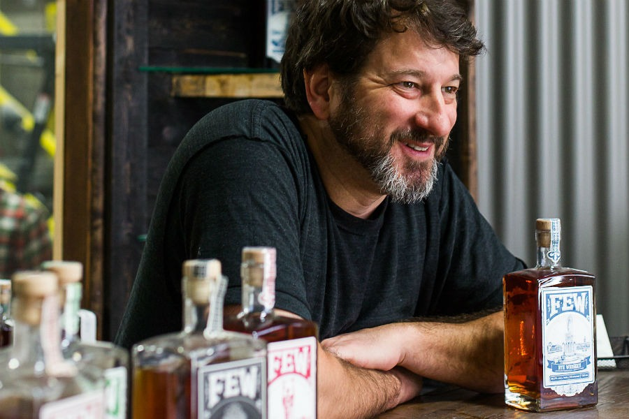 Paul Hletko, founder e distiller di FEW Spirits