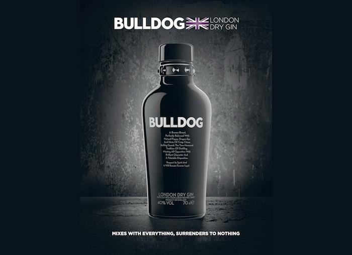 Bulldog Gin in un'immagine pubblicitaria