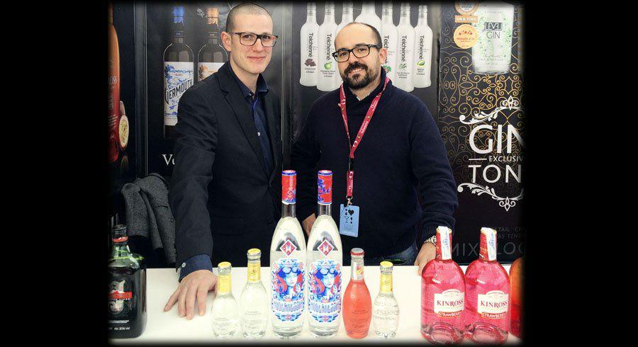 Alberto Pizarro con Gin Modernessia