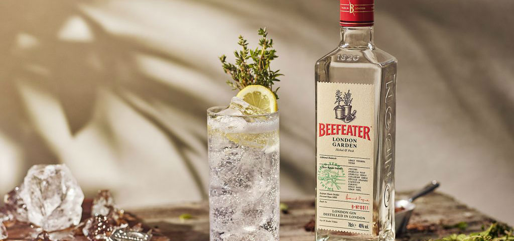https://ilgin.it/wp-content/uploads/2019/09/beefeater-london-garden.jpg